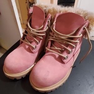 Timberland boots with fur rim